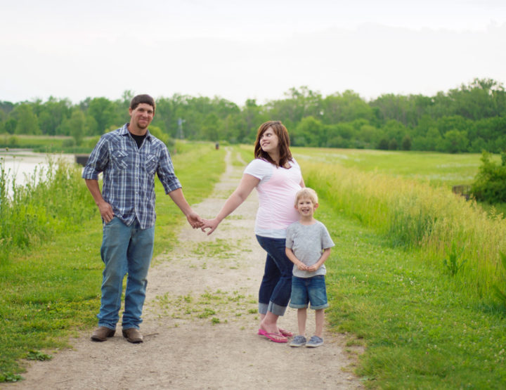 Caudell Family - Carriage Hill Maternity Photos in Huber Heights, Ohio