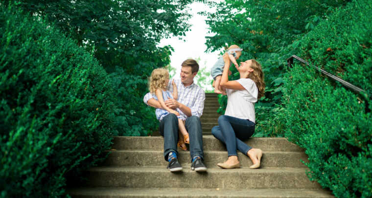 Seger Family - Lifestyle Family Photography at Ault Park, Cincinnati Ohio